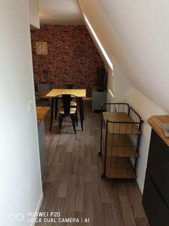 Appartement à louer 2 26m2 à Saint-Quentin vignette-6