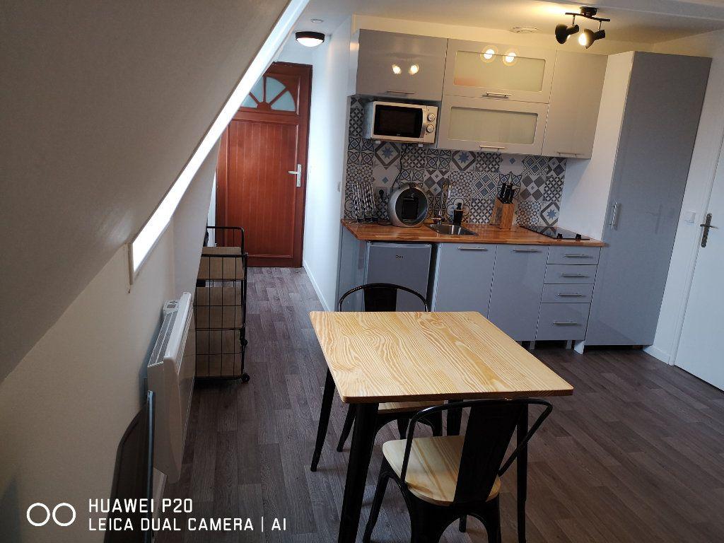 Appartement à louer 2 26m2 à Saint-Quentin vignette-9