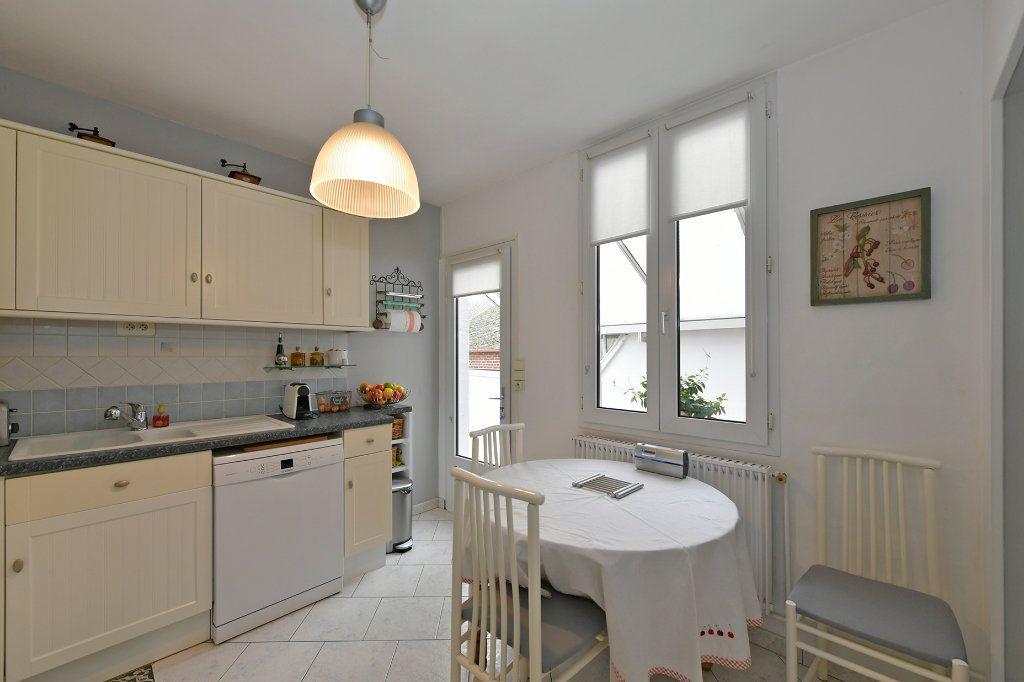 Maison à vendre 7 157m2 à Tergnier vignette-9
