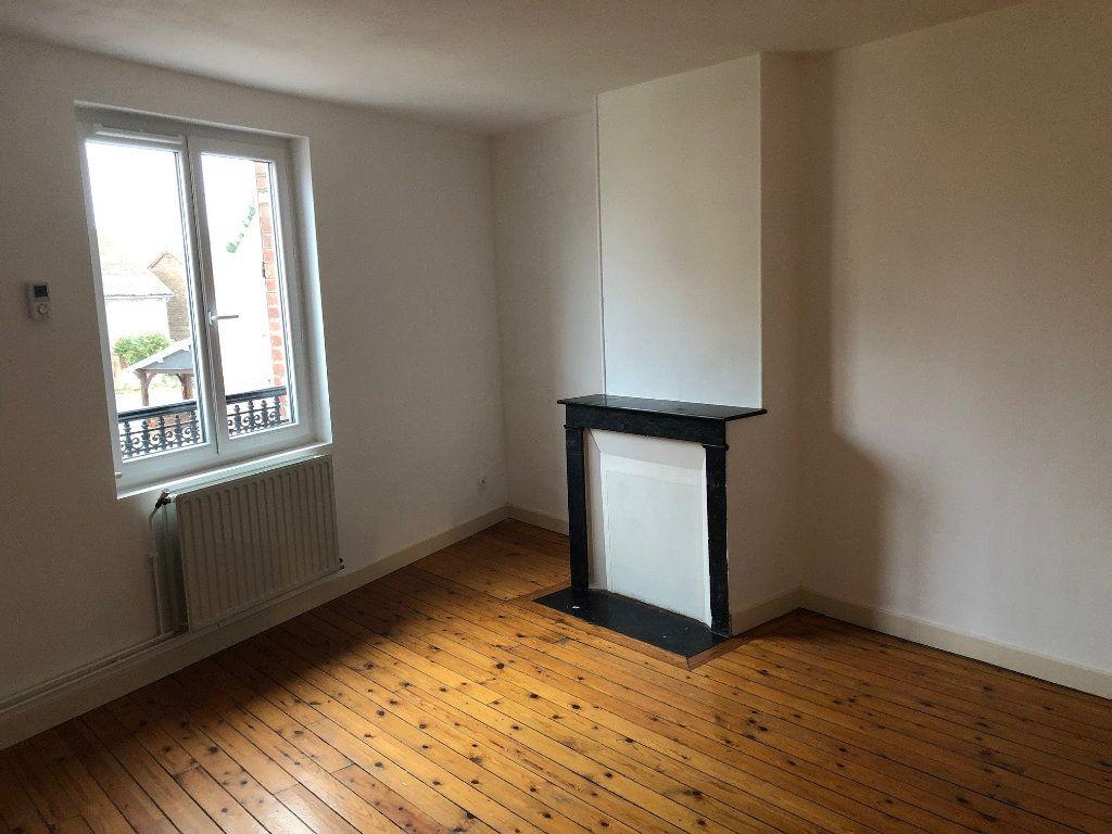 Appartement à louer 3 56.74m2 à Jussy vignette-1
