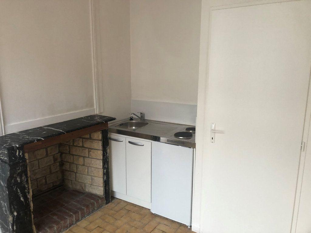 Appartement à louer 1 11m2 à Amiens vignette-1