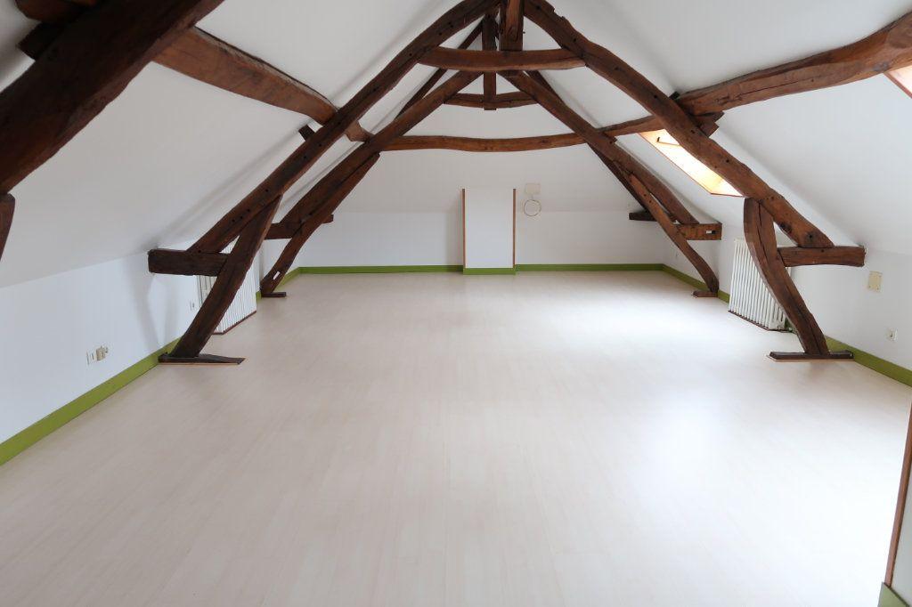 Maison à louer 8 175m2 à Vignacourt vignette-3