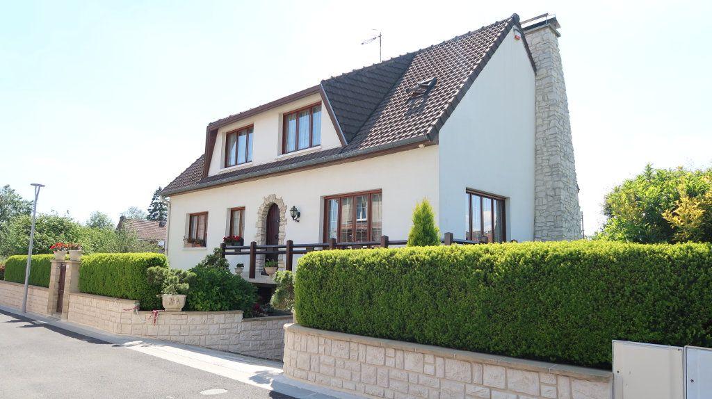 Maison à vendre 7 186m2 à Tergnier vignette-1