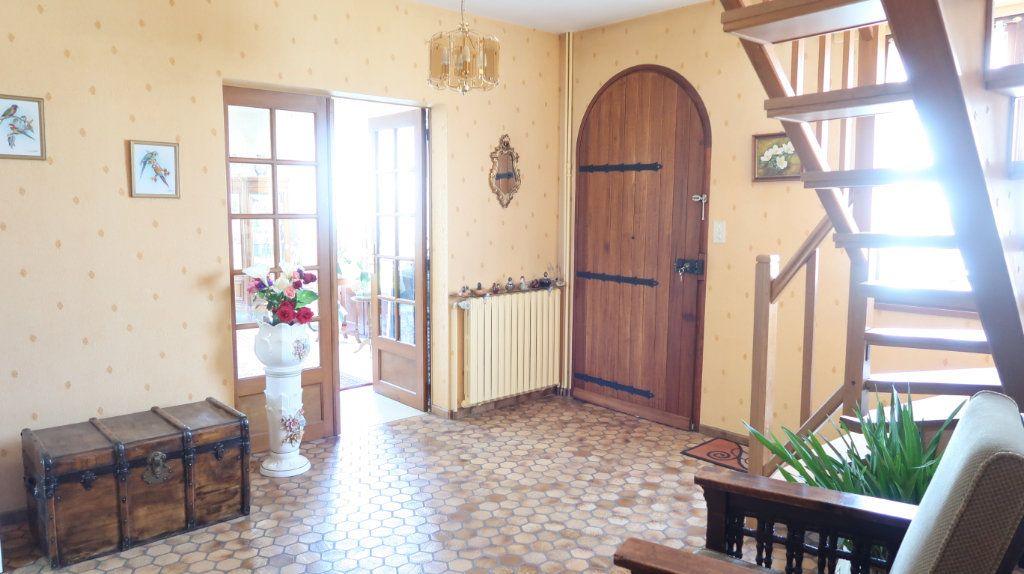 Maison à vendre 7 186m2 à Tergnier vignette-5