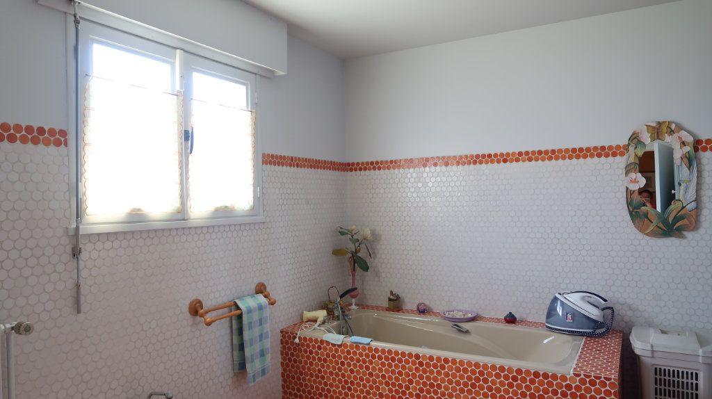 Maison à vendre 7 186m2 à Tergnier vignette-8