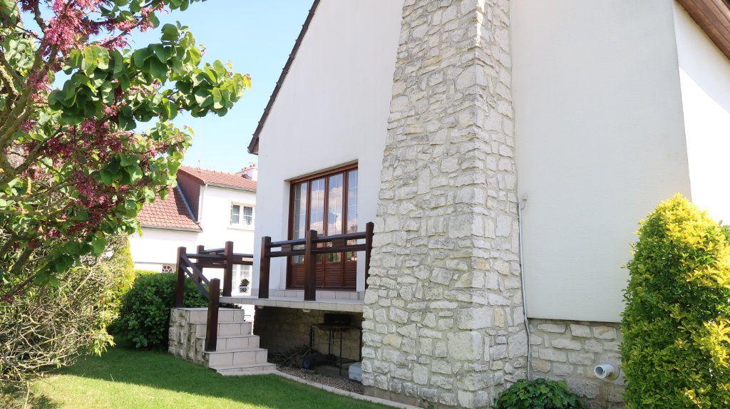 Maison à vendre 7 186m2 à Tergnier vignette-16
