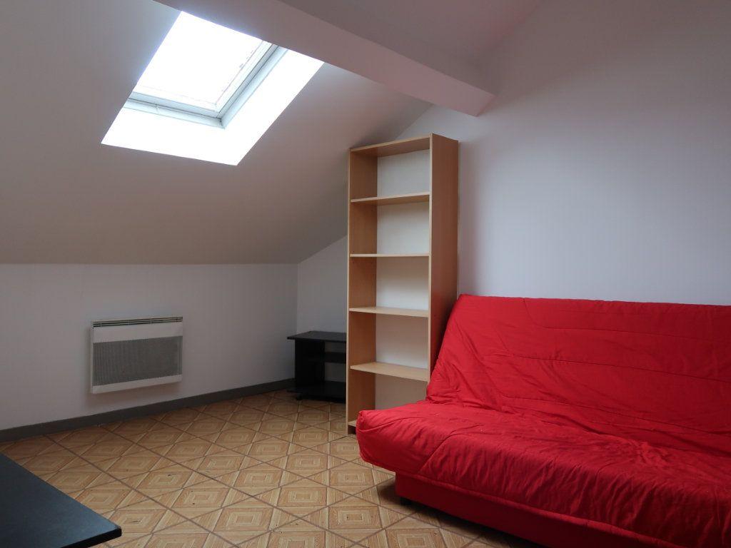 Appartement à louer 1 17.52m2 à Tergnier vignette-1