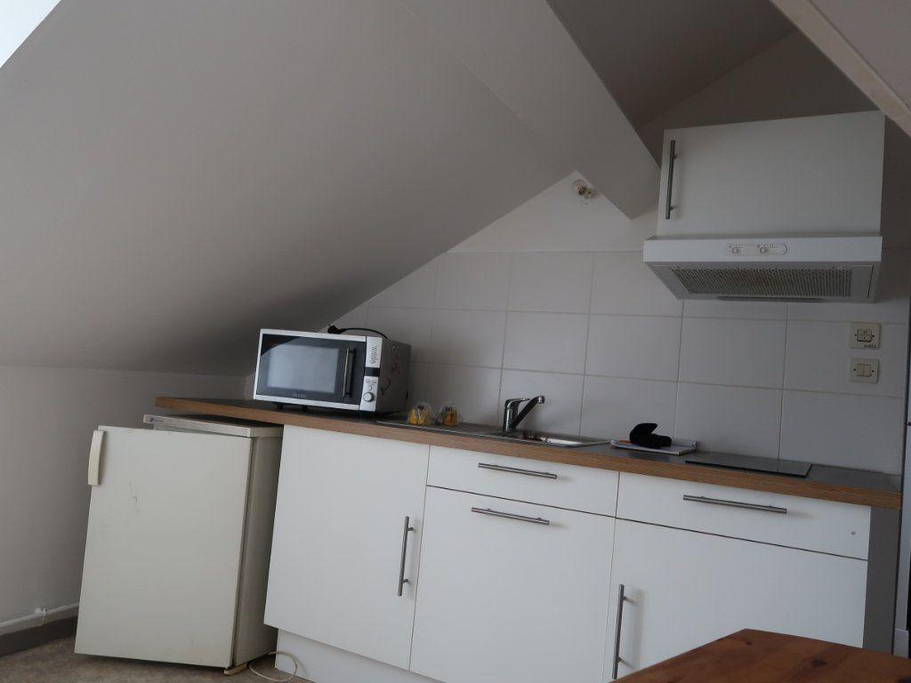 Appartement à louer 1 17.52m2 à Tergnier vignette-3