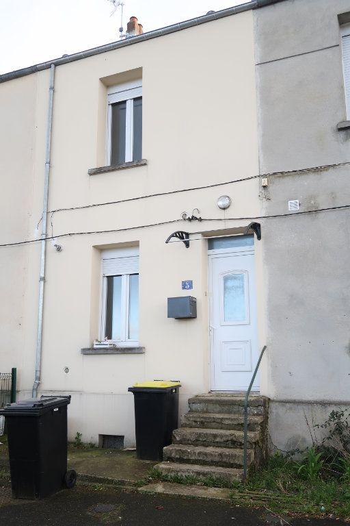 Maison à vendre 3 69m2 à Tergnier vignette-1