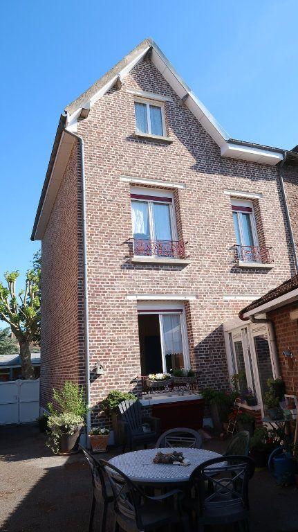 Maison à vendre 5 107m2 à Tergnier vignette-1