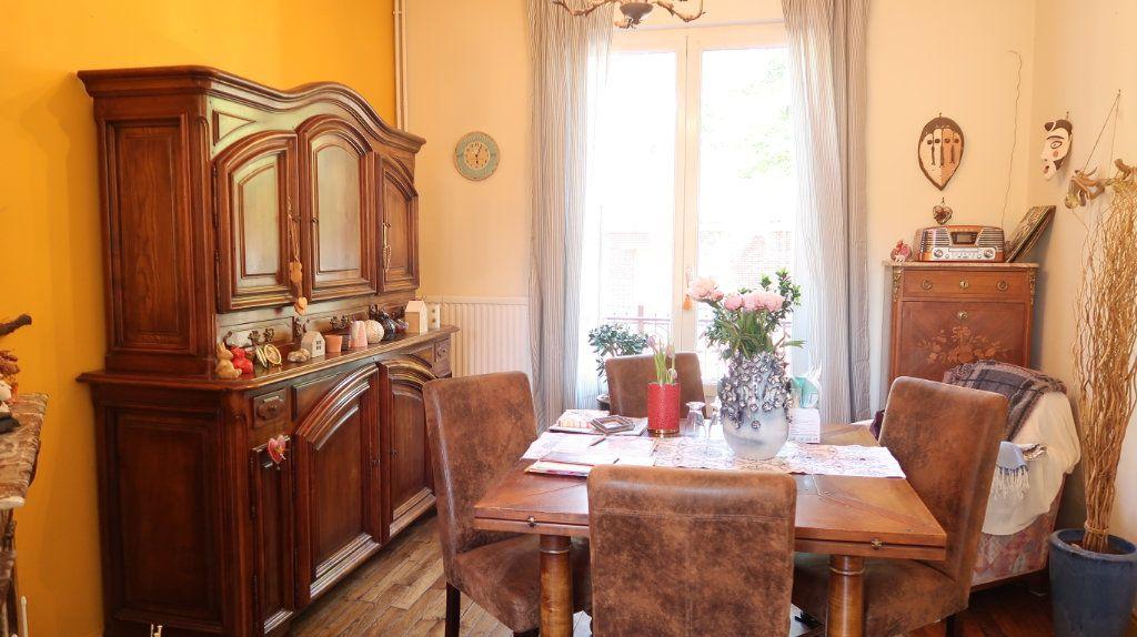 Maison à vendre 5 107m2 à Tergnier vignette-3