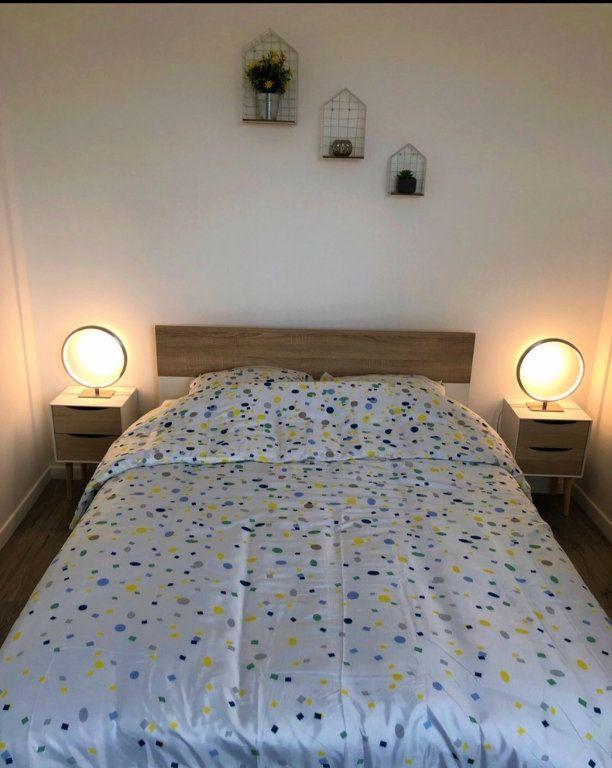 Appartement à louer 2 30.8m2 à Saint-Quentin vignette-4