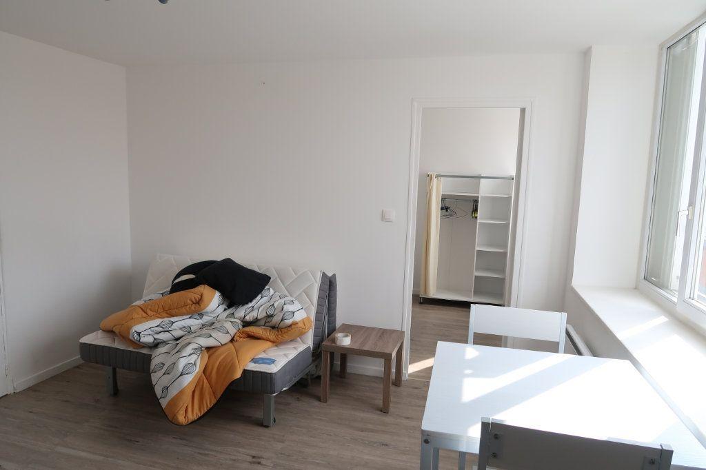 Appartement à louer 2 30.8m2 à Saint-Quentin vignette-7