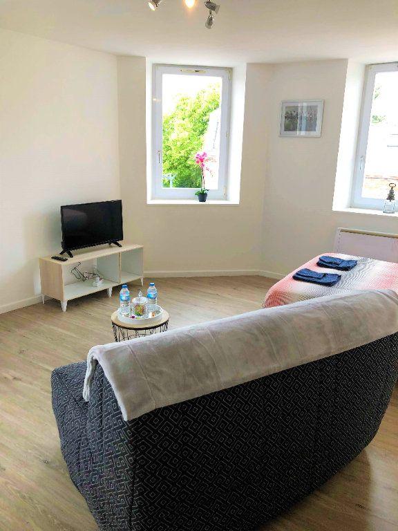 Appartement à louer 1 28.3m2 à Saint-Quentin vignette-1