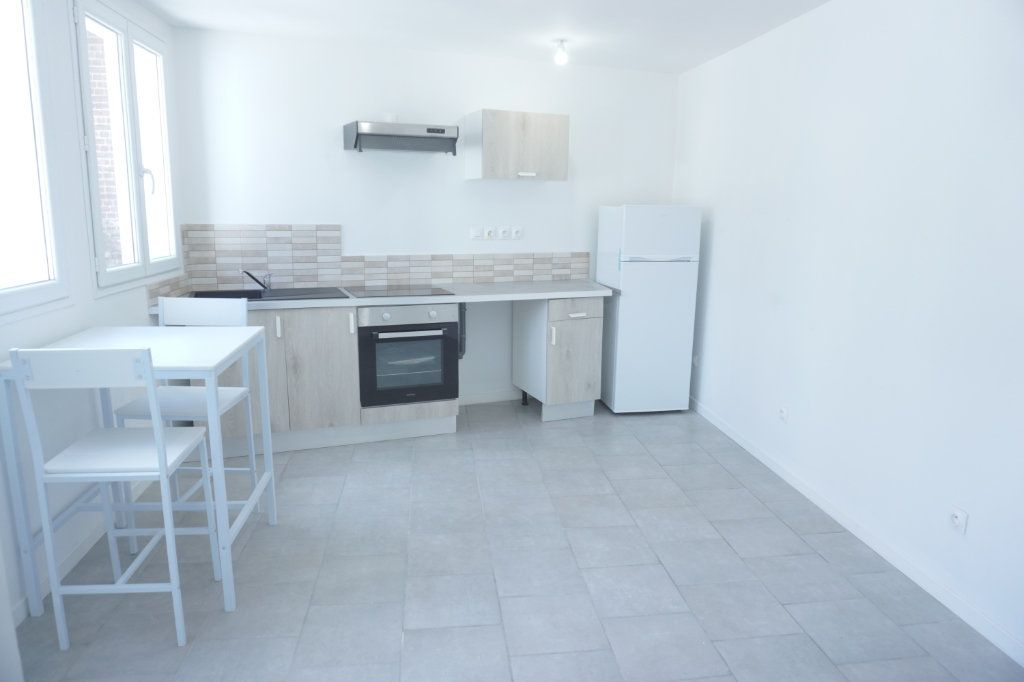 Appartement à louer 2 35m2 à Saint-Quentin vignette-1