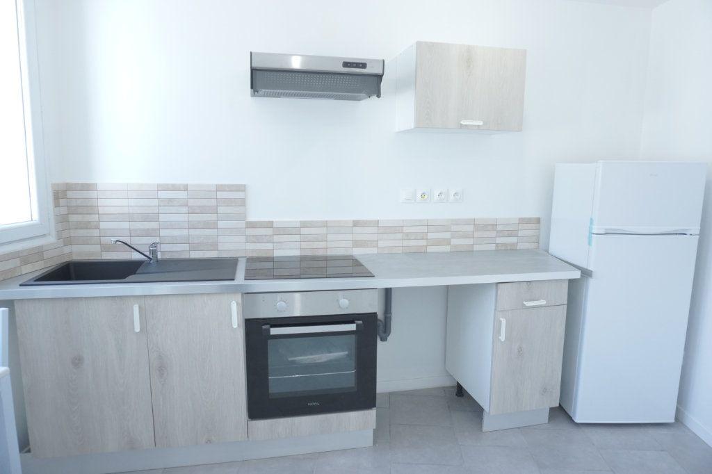 Appartement à louer 2 35m2 à Saint-Quentin vignette-8
