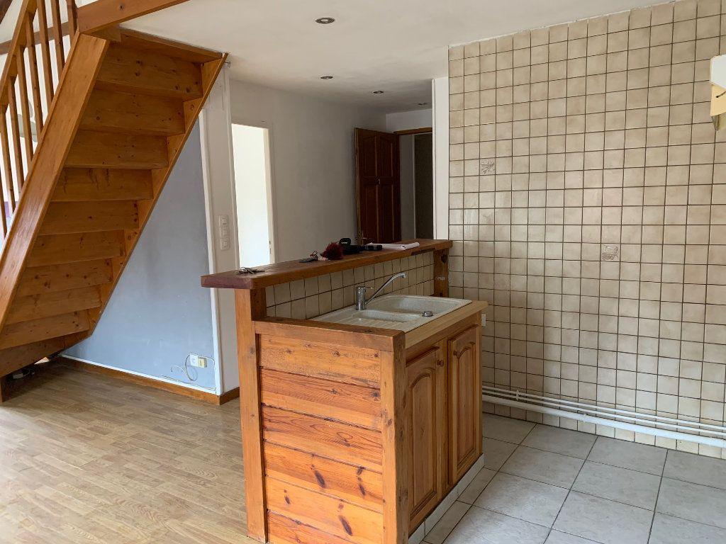 Appartement à louer 3 60m2 à Tergnier vignette-1