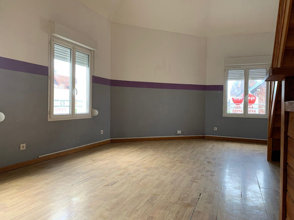 Appartement à louer 3 60m2 à Tergnier vignette-2