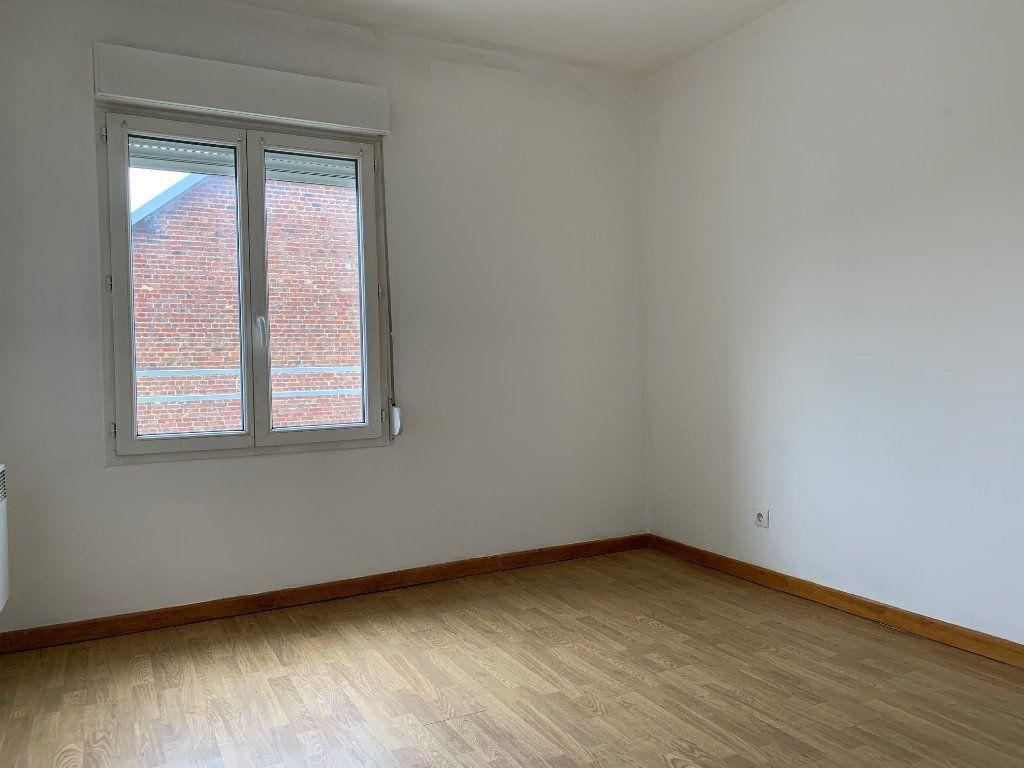 Appartement à louer 3 60m2 à Tergnier vignette-5