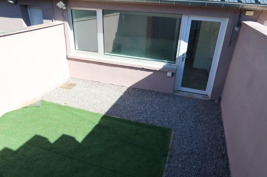 Maison à louer 2 64m2 à Saint-Quentin vignette-2