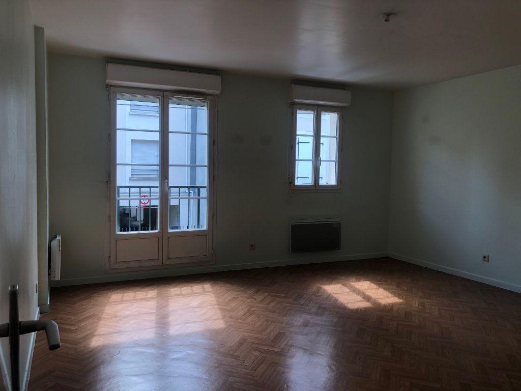 Appartement à louer 3 60m2 à Claye-Souilly vignette-2