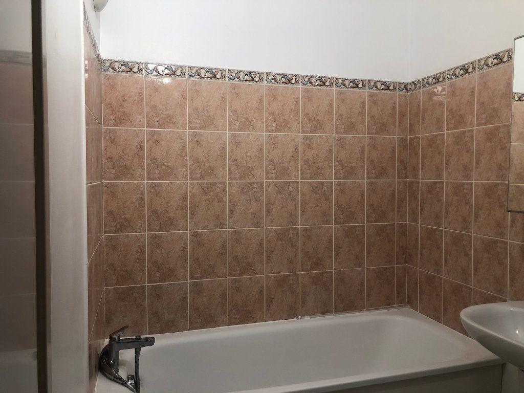 Appartement à louer 3 60m2 à Claye-Souilly vignette-14