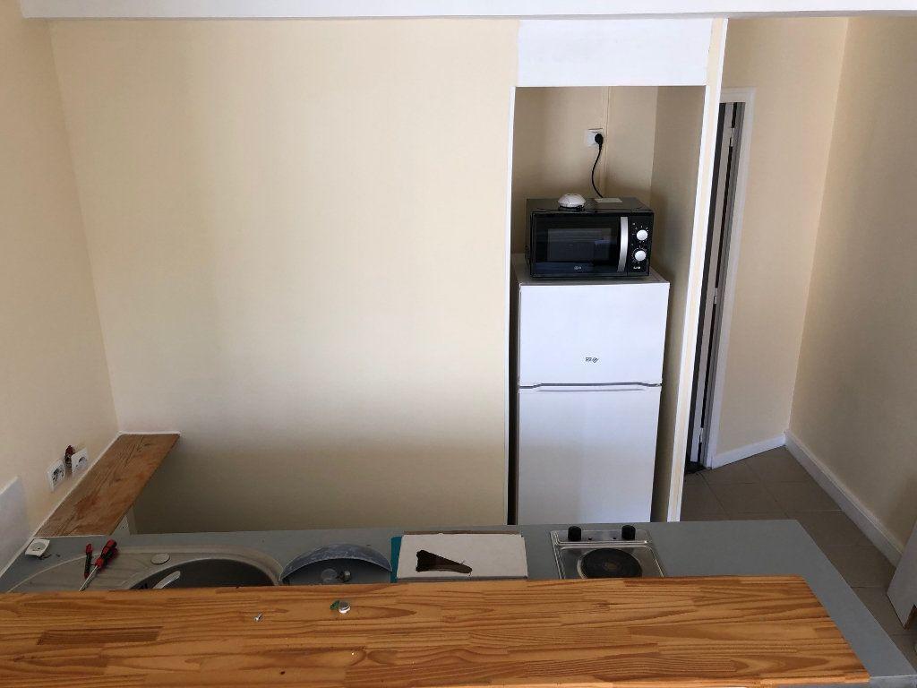 Appartement à louer 2 34.18m2 à Joinville-le-Pont vignette-6