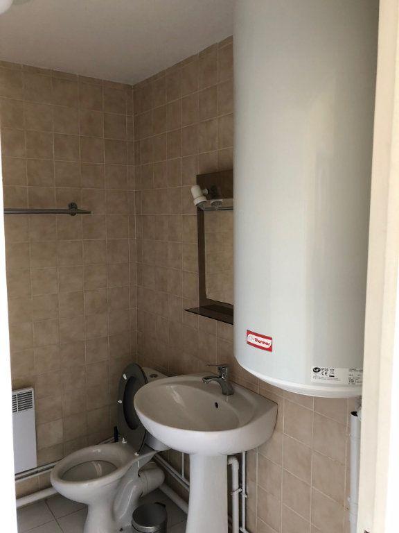 Appartement à louer 2 34.18m2 à Joinville-le-Pont vignette-8