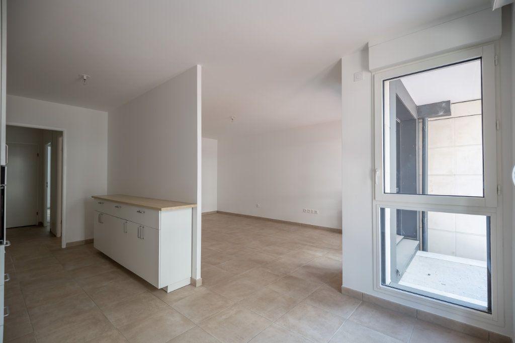 Appartement à louer 4 70.97m2 à Joinville-le-Pont vignette-6