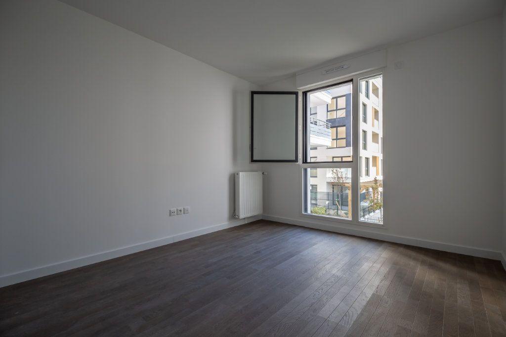 Appartement à louer 4 70.97m2 à Joinville-le-Pont vignette-9
