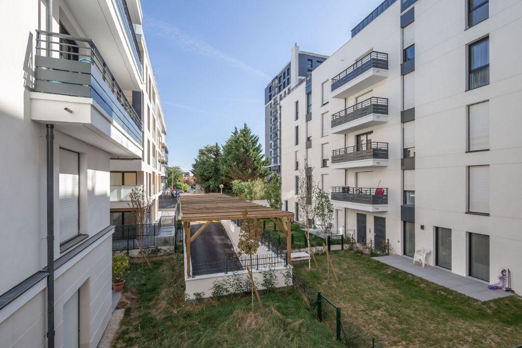 Appartement à louer 4 70.97m2 à Joinville-le-Pont vignette-12