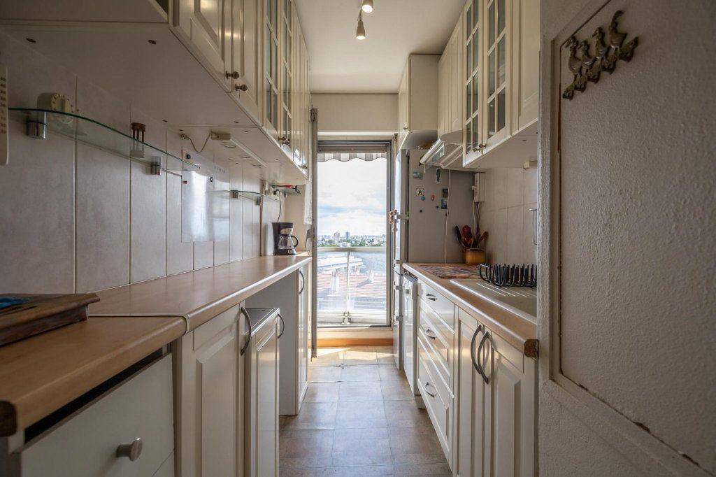 Appartement à vendre 3 70m2 à Saint-Maurice vignette-5
