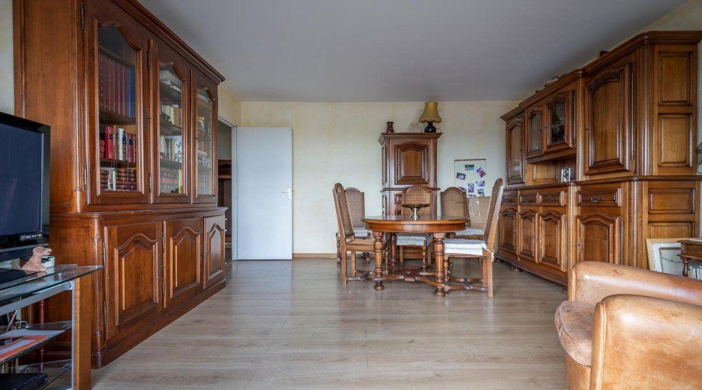 Appartement à vendre 3 70m2 à Saint-Maurice vignette-8
