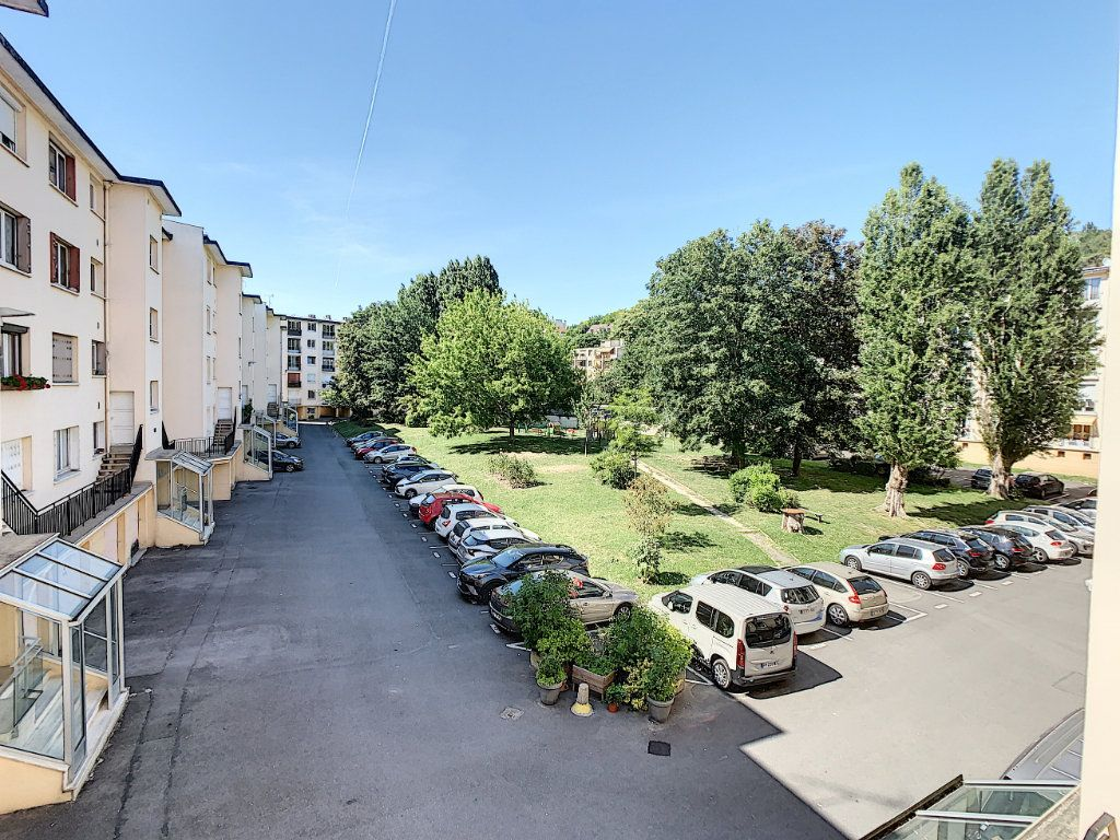 Appartement à louer 3 51.98m2 à Champigny-sur-Marne vignette-11