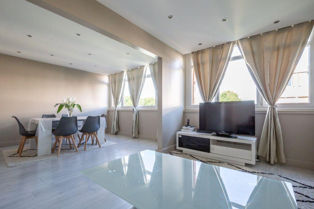 Appartement à vendre 4 65.4m2 à Champigny-sur-Marne vignette-1