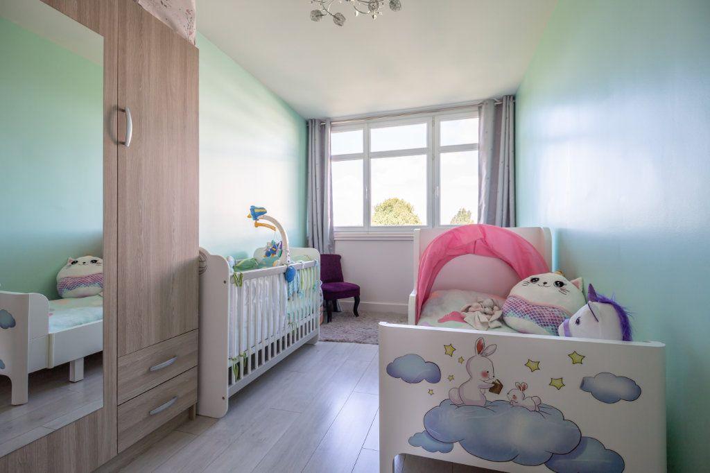 Appartement à vendre 4 65.4m2 à Champigny-sur-Marne vignette-4