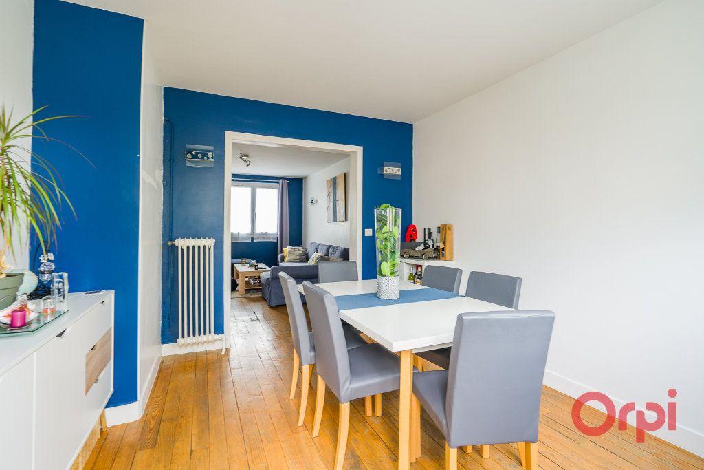 Appartement à vendre 4 64m2 à Champigny-sur-Marne vignette-3