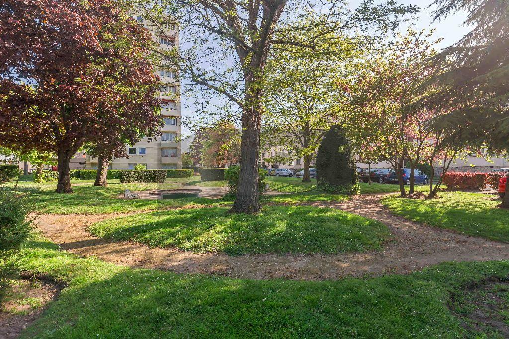 Appartement à vendre 4 64m2 à Champigny-sur-Marne vignette-7