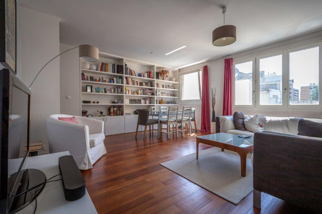 Appartement à vendre 3 75m2 à Paris 11 vignette-1