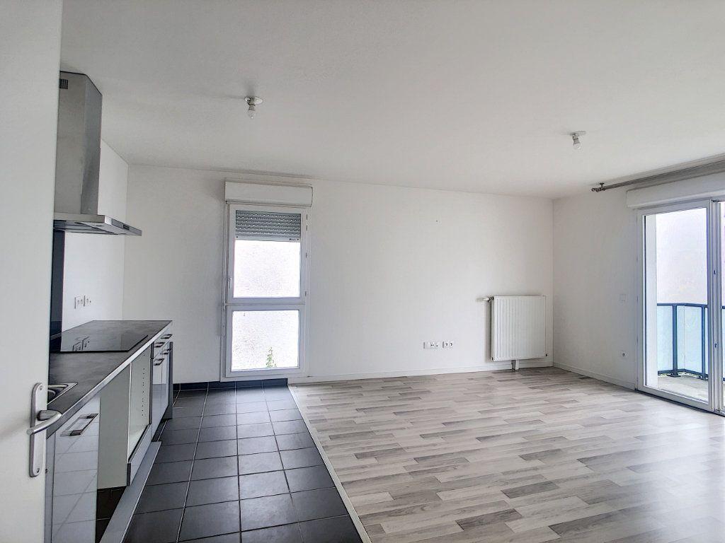 Appartement à louer 3 64.9m2 à Champigny-sur-Marne vignette-1