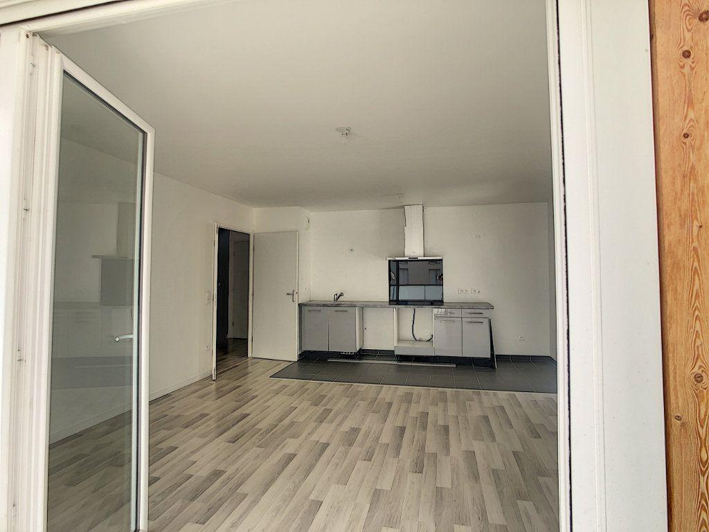 Appartement à louer 3 64.9m2 à Champigny-sur-Marne vignette-7