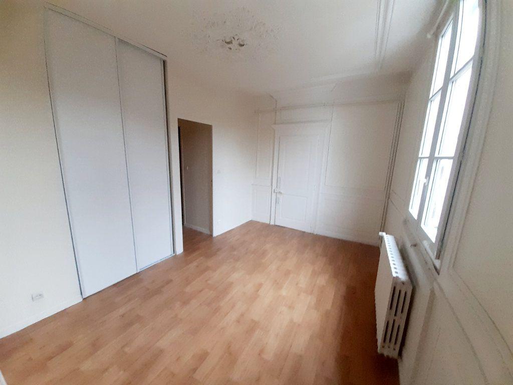 Appartement à louer 5 102m2 à Limoges vignette-4