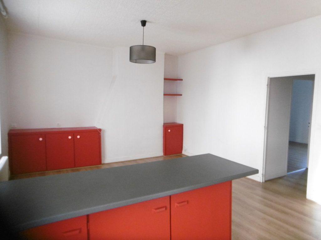 Appartement à louer 2 45m2 à Limoges vignette-2