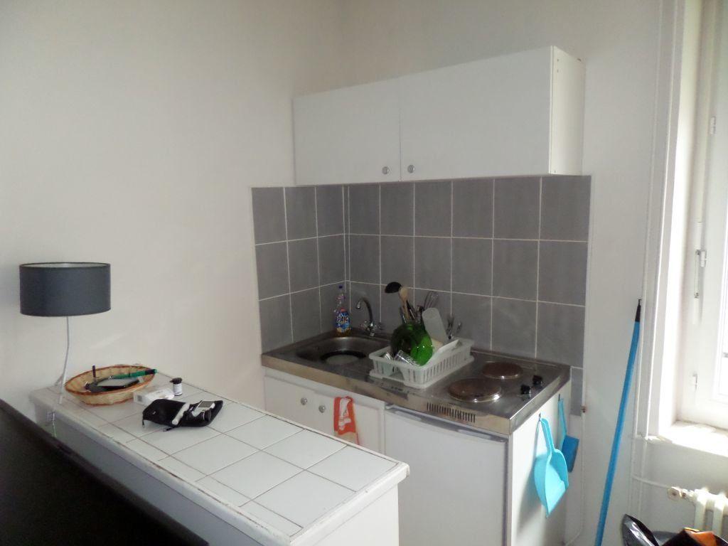 Appartement à louer 1 18m2 à Limoges vignette-2