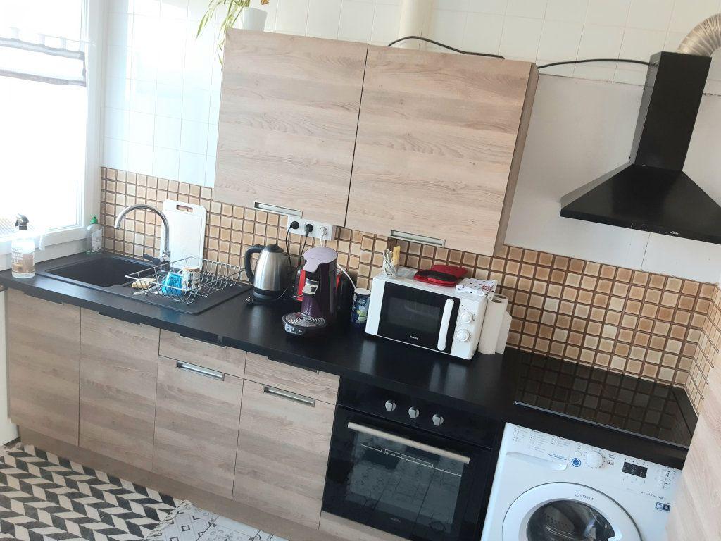 Appartement à louer 3 57m2 à Limoges vignette-3