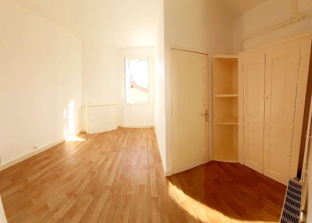 Appartement à louer 2 28.49m2 à Limoges vignette-3