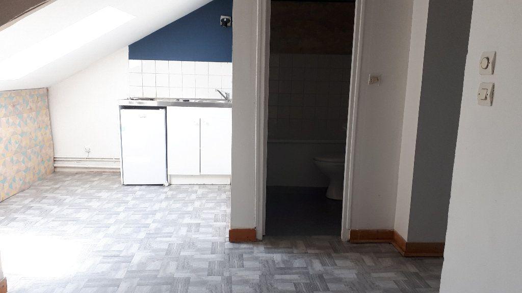 Appartement à louer 2 17m2 à Limoges vignette-1
