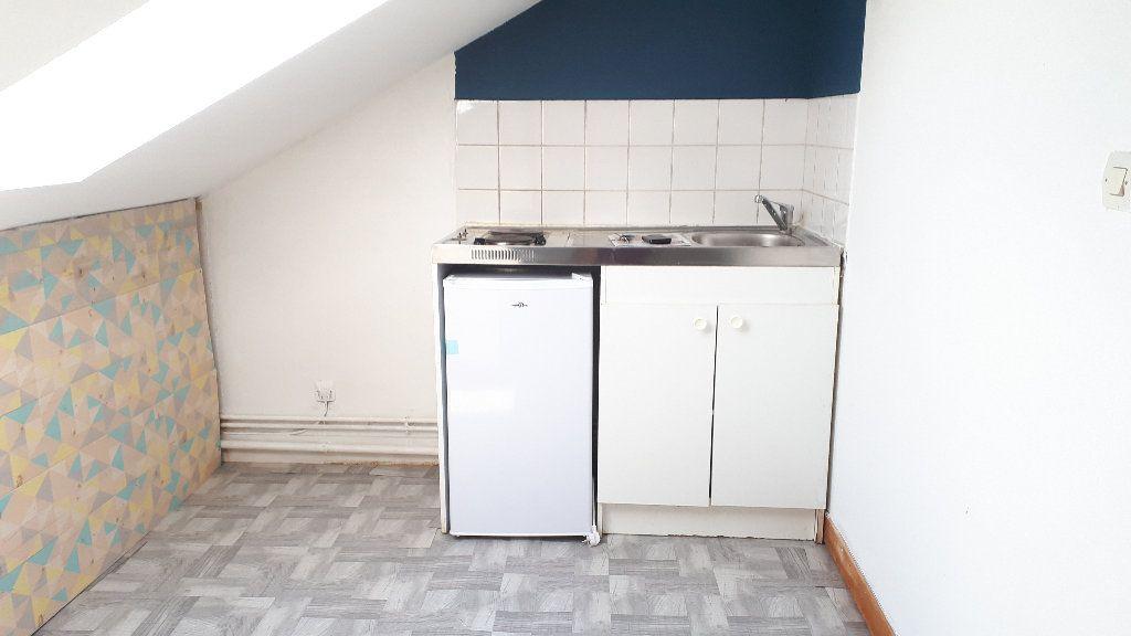 Appartement à louer 2 17m2 à Limoges vignette-2
