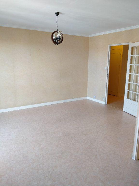Appartement à louer 2 52m2 à Limoges vignette-2