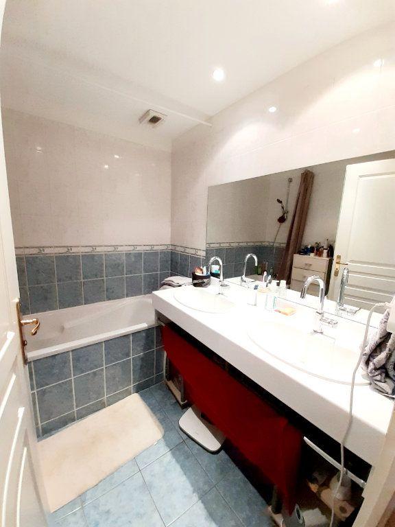 Appartement à louer 3 63.47m2 à Limoges vignette-6
